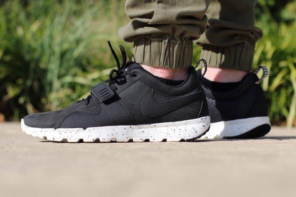 Nike Trainerendor Sneaker (schwarz, braun oder blau) für 53,54€ @Nike.com