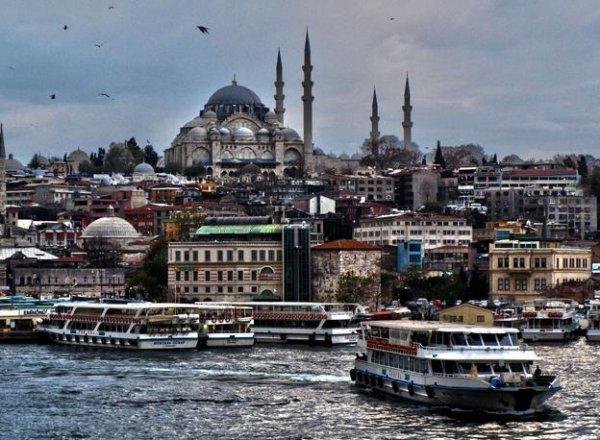 Düsseldorf - Istanbul Atatürk mit 25kg Gepäck und Verpflegung unter 100 € Februar-April