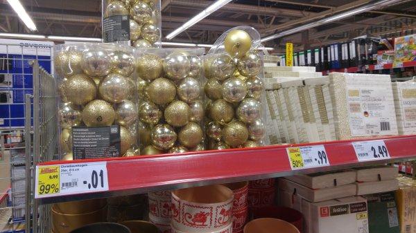 Lokal Rostock?] Weihnachtsbaumkugeln gold 25 Stück für 1 Cent