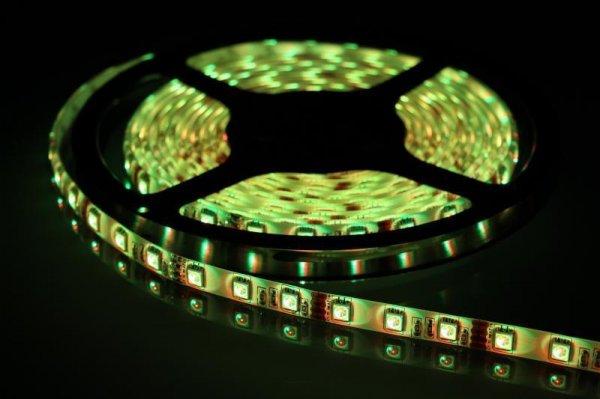 LED RGB Stripe / Lichtband 5m, 30 LED Typ 5050 verschiedene Farben und Programme einstellbar mit Fernbedienung auf Rolle für 7,99 € [d-living@eBay]