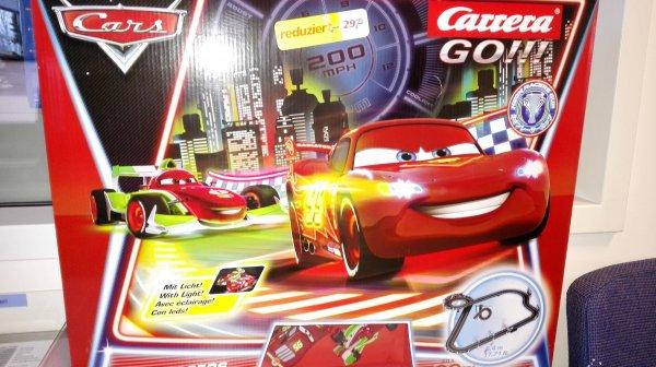 Real Neuss - Carrera Carrera Go!!! - Disney Cars Neon Racers