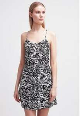 [Zalando] 10% extra Rabatt auf Kleider ohne MBW, z.B. Even&Odd Kleid für 7,60€ inkl. VSK statt 17€