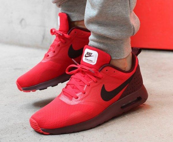[Kickz] Nike Air Max Tavas - rot - für 67,92 € inkl. Versand