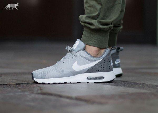 Nike AIR MAX TAVAS Herren Freizeitschuhe Schuhe Men Wolf Grey