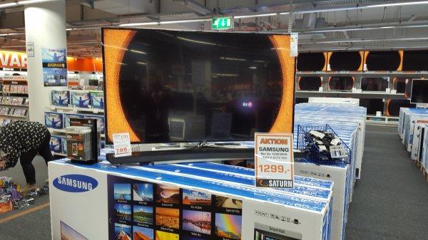 (Saturn Lünen lokal) Samsung 65 H 6470 3D Full HD 400 Hz Smart TV Wlan 2x3D Brillen