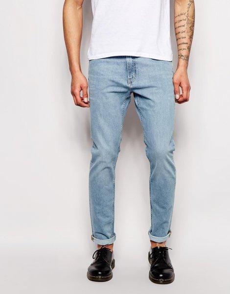 [Weekday] 30% auf Jeans beim Kauf von zwei.