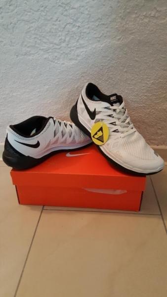Schnäppchen Neue Nike Free 5.0 & 4.0 V2