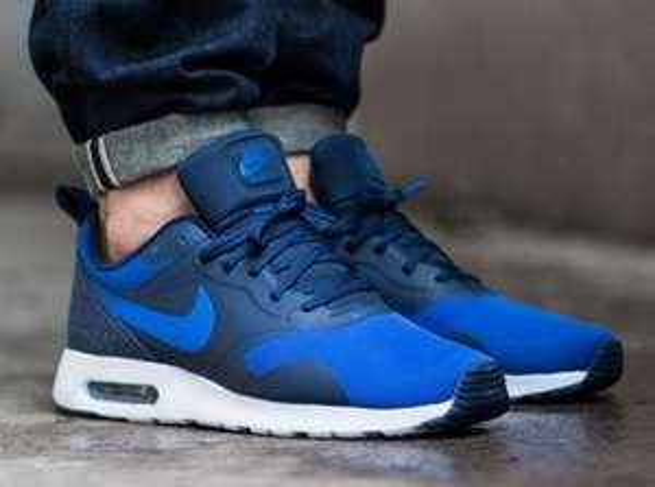 [Spartoo] Nike Air Max Tavas -blau- (Größe 38,5-48,5)  für 66,64 € (Idealo: 86,99 €)