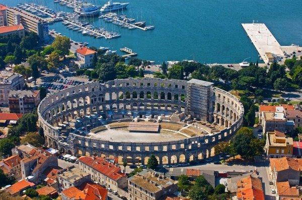 [April] Hin- und Rückflüge mit Ryanair von Frankfurt Hahn nach Kroatien (Pula oder Zadar) für 26€