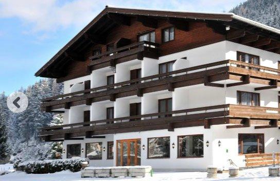 Einige reduzierte Skiangebote bei snowtrex, z.B. 7 Nächte im Active Hotel Wildkogel in Österreich inklusive Halbpension und Skipass für 598€ für zwei Personen (299€ pro Person)