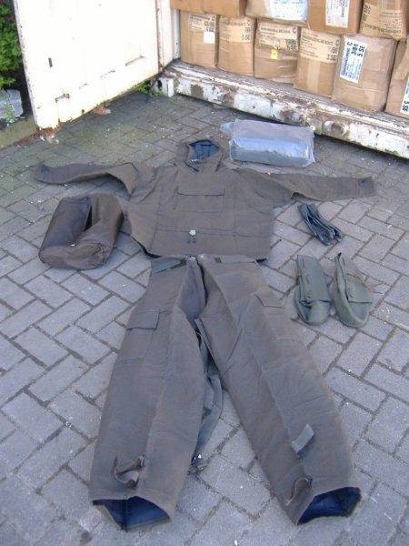 ABC Schutzanzug der Bundeswehr ungetragen & neu für 11,50€ @ eBay