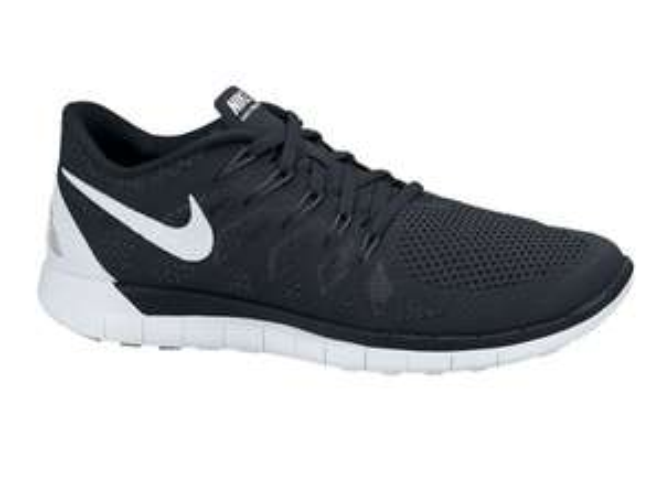 [engelhorn.de] Nike - Free 5.0 Schwarz/Weiß Größe 36-48,5 m/w 64,00€ (7% Qipu = 59,52€)