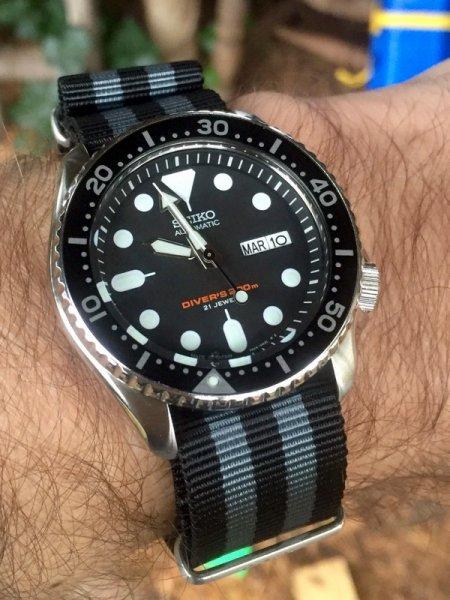 [Monsterwatches] Seiko SKX007-J und SKX013 mit Option auf Saphir-Glas plus Anleitung für den James Bond-Look
