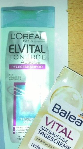 DM Kundenzeitschrift Alverde 4/2016: Gratisproben L'OREAL ELVITAL Shampoo [10 ml] und Balea VITAL Tagescreme [1,5 ml]