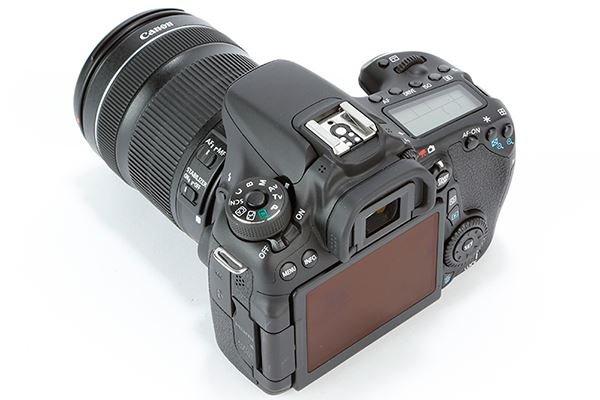 [SCHWEIZ] Canon EOS 70D + 18-135mm STM Objektiv KIT