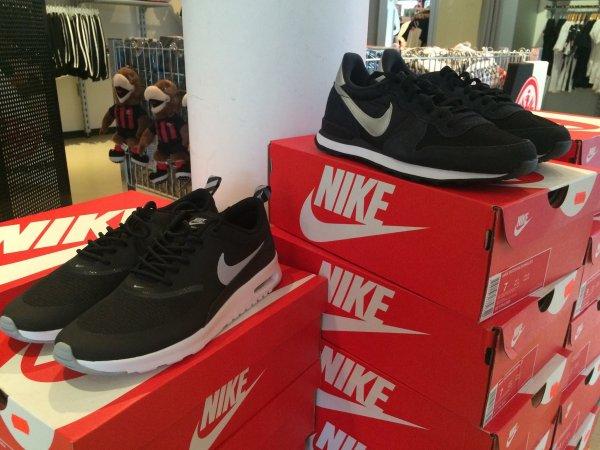 [lokal Frankfurt] Nike Internationalist für 35€ und Air Max Thea  für 50€