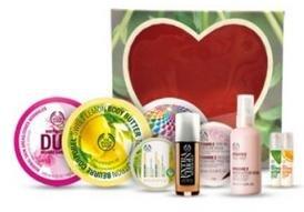 [The Body Shop] 10-teiliges Beauty-Bundle (z.B. Eau de Toilette, Body Butter, Mineralmaske, Mascara...) für 58,74€ statt 133,50€