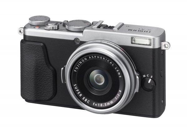 Fujifilm Fuji X70 Kompaktkamera silber 624,76€ inklusive Versand @ Amazon.es (Normalpreis ca. 699€)