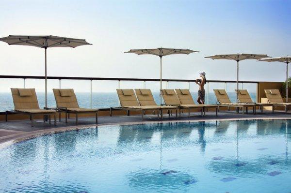 """(L'TUR // TravelZoo) 2 Personen Luxus: Dubai 5* Halbpension im Deluxe Zimmer (99% HC), Emirates Direktflüge, Zug zum Flug, ... --> (ab 799€/Person) // """"Sommer"""""""