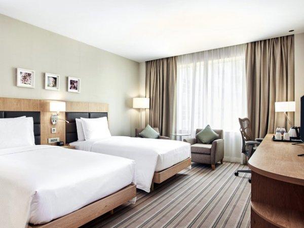 (L'TUR / Super Last Minute) 2 Personen: Dubai 5 Nächte im Hilton (NEUeröffnet - 100%); Flug & Zug-zum-Flug (05.05. ab Berlin) (346€/Person) // UDPATE: sogar für 295€ pro. Person!
