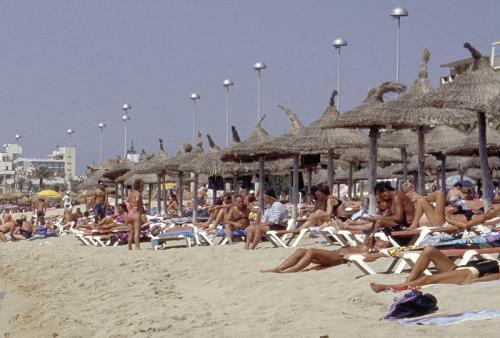 3 Tage Ballermann (Mallorca) für 2 Personen in den Osterferien: Hotel + Frühstück, Flug: 76,48 € p.P.