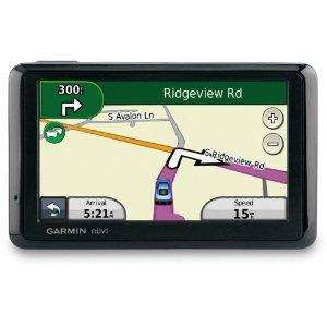 Garmin nüvi 1370 Navigationssystem, (10,9cm (4,3 Zoll) Display, Europa 41 & USA & Kanada, TMC) inkl. Tasche für 127,33 € @ Amazon
