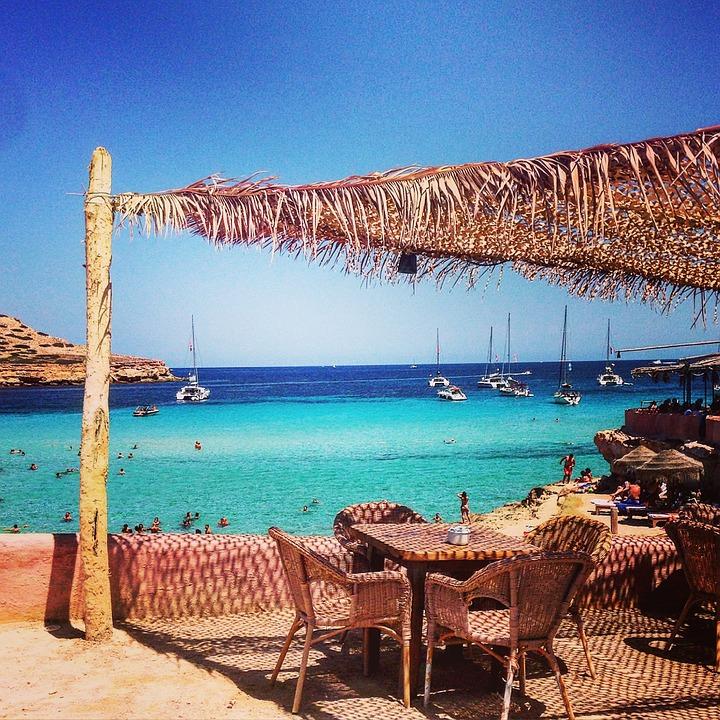 Vom Osten nach Party: Leibzx27sch - Ibiza, Hin- und Rückfluge für 50 € im Juli