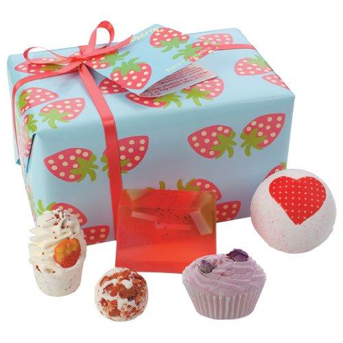 Bomb Cosmetics Strawberry Patch Seifen-Geschenkset für 8,95€ mit [Amazon Prime] statt ca. 14€