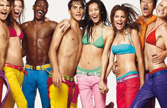 Halber Preis auf viele Artikel im Sale bei Benetton, Skinny Hosen für 14,95€, viele Basics unter 10€