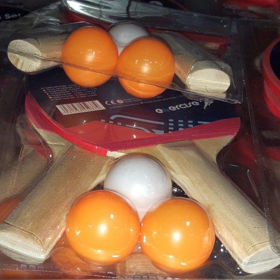 [KNÜLLER] Tischtennis-Set (2 Schläger + 3 Bälle) für 2,49€ bzw. mit Tasche (2 Schläger + 2 Bälle) 4,99€