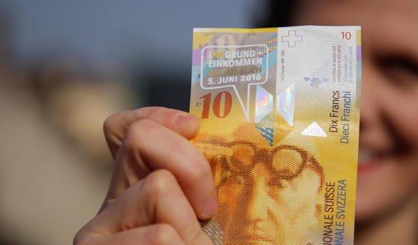 (lokal Basel, CH) UB Basel 10 CHF Mensagutschein/Kopierkarte für kurze Umfrage