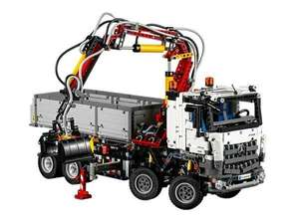 Lego Technic Arocs 42043 für 143,99€ mit Coupon, Galeria Kaufhof (Lokal?)
