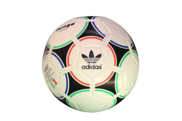 Adidas Volleyball/Fußball oder Puma Fußball weit unter Pvg @top12