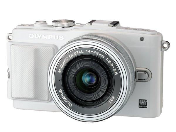 @Amazon.es: Olympus Pen E-PL6 Kamera (16,1 Megapixel, Full HD, 7,6 cm (3 Zoll) Display, WiFi) inkl. 14-42mm Pancake Objektiv/8GB Flash Air Karte weiß für 259,93€ statt 417,70€ Idealo