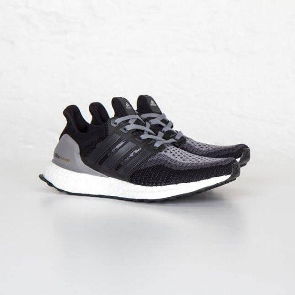 Adidas Ultra Boost / Black (Gradient) - Viele Größen verfügbar - 124,25 Euro