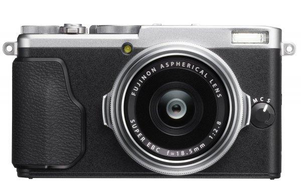 Fujifilm FinePix X70 - Edel Kompaktkamera, HDMI Out, H.264, WLAN, 16.3 MP, CMOS II, F2,8, Festbrennweite 28mm für 516,49€ (Amazon.es)
