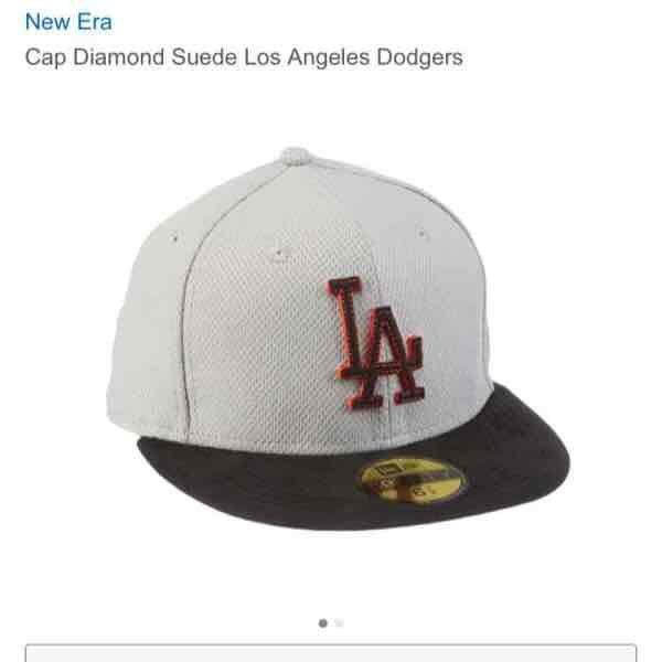 Amazon New Era Cap Los Angeles Dodgers 14,77 Größe 6 7/8. Ist nicht abgelaufen