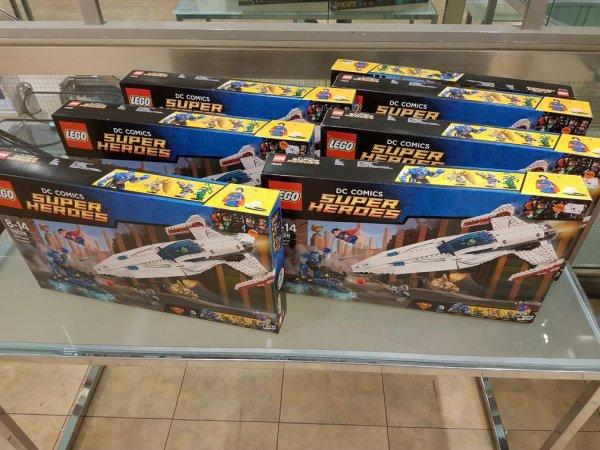 Lego DC Super Heroes 76028 Darkseid Invasion (Lokal Karstadt Bremen)