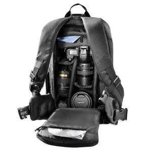 Mantona Trekking Kamerarucksack (mit Diebstahlschutz und Stativhalterung, universal, geeignet für DSLR oder Systemkameras) schwarz @amazon Blitz