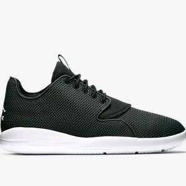 [Nike.com] Jordan Eclipse in Schwarz, Grau & Schwarz/Rot