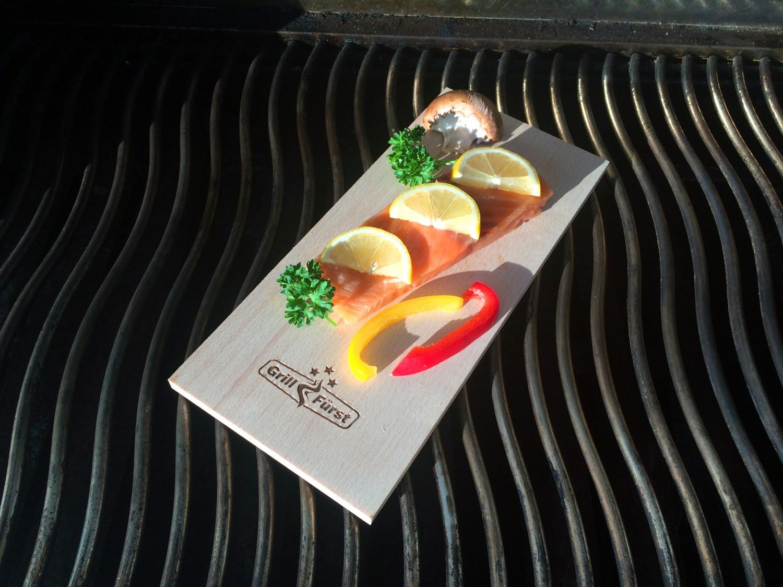 """[Grillfuerst] Räucherbretter (""""Plank"""") Eigenmarke 29x13x1cm 4er Set Buche oder Erle für 9,90€"""