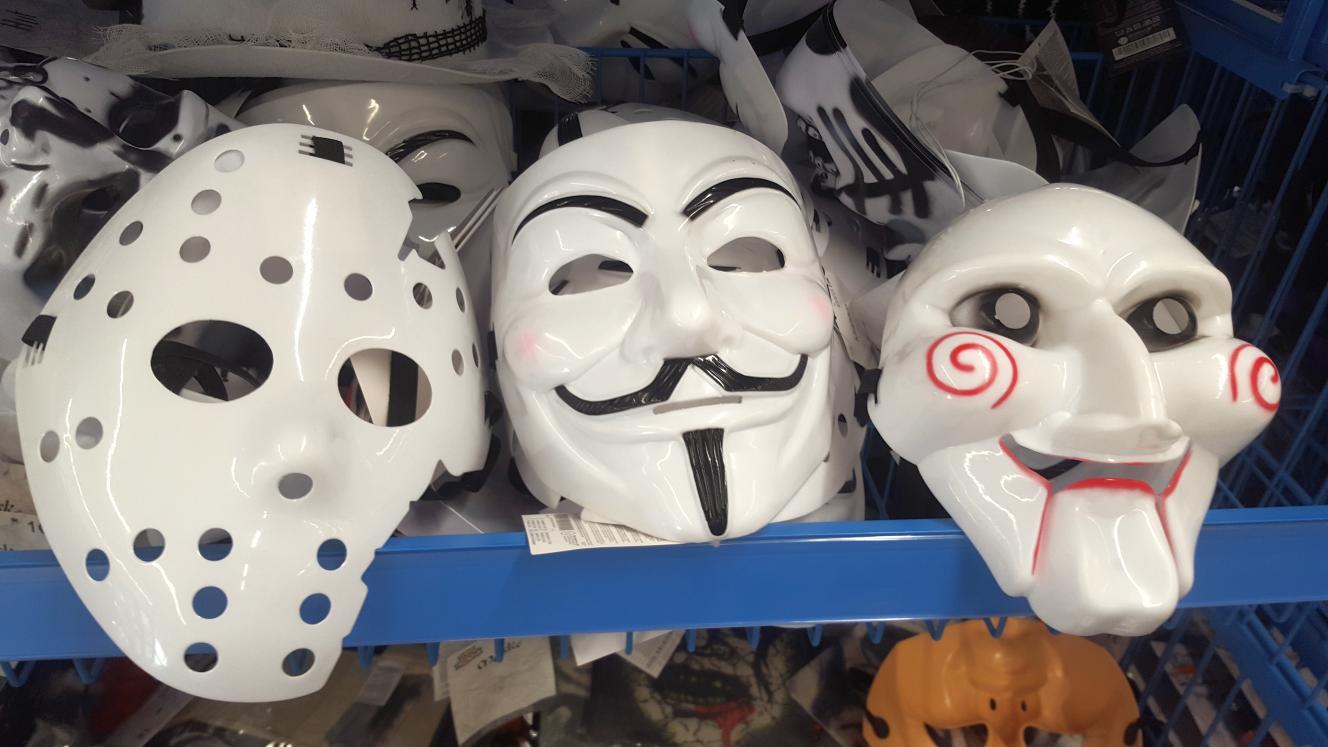 Jigsaw Maske (1,00€) / Guy Fawkes Maske (2,00€) / Hockey Maske (1,00€) [Tedi]
