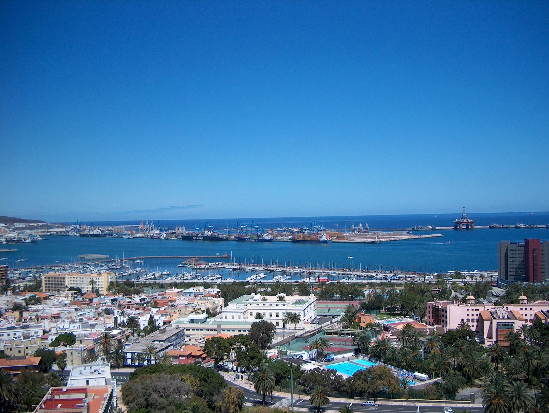 Sehr viele Hin- & Rückflüge nach Las Palmas (Gran Canaria) für 95€ inkl. Gepäck, etc. // inkl. Mietwagen & Hostel ab ca. 210€/Person