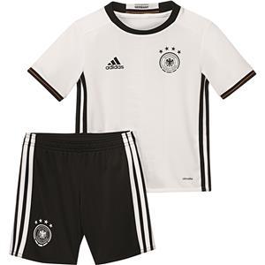 Ist jetzt auf 15,- hoch         Bei Sportida.de Kinder DFB Home Mini Kit nur noch in Gr. 98 und 104 für 10,- +4,95 Versand
