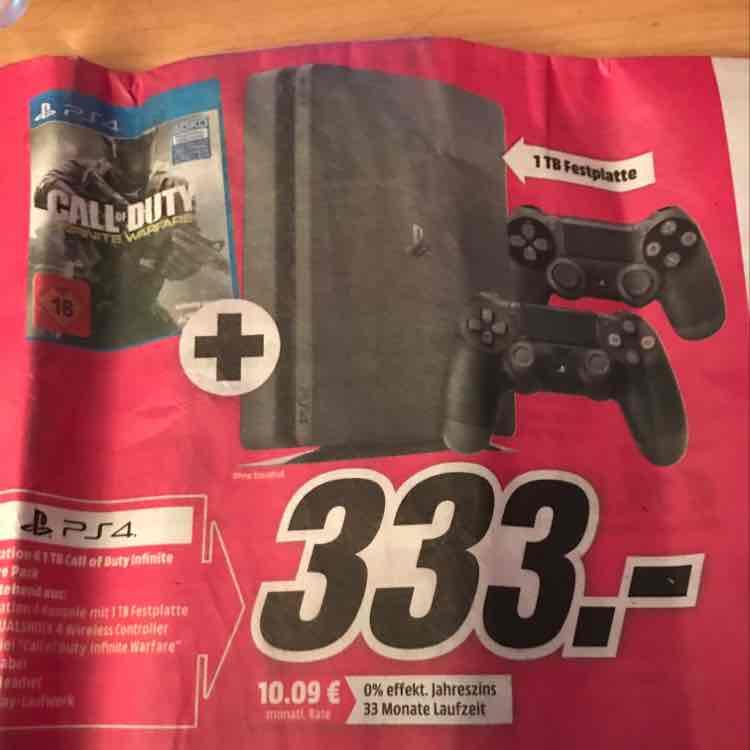 PlayStation 4 Slim 1TB Call of Duty 2x Controller