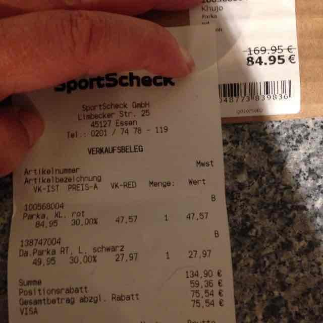 Sportscheck Essen Räumungsverkauf z.B. ca 44% auf Jacken