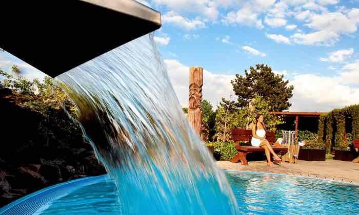 Tageskarte für die Bade- und Saunalandschaft 2 Personen für im Aqualand (46% sparen*)