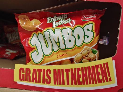 Gratis Erdnuß Locken Jumbos von Lorenz zum probieren bei Rewe