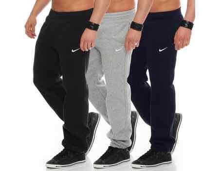 Nike Jogginghose (Club Swoosh Cuff Pant) für 29,95€