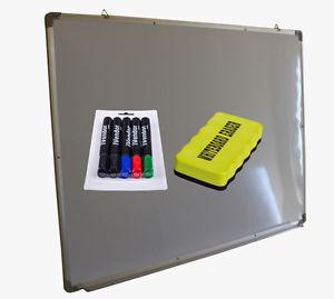 B-Ware Whiteboard 60x45cm inklusive 5 Stifte und Schwamm für 9,99€ plus 0,99€ Versandkosten